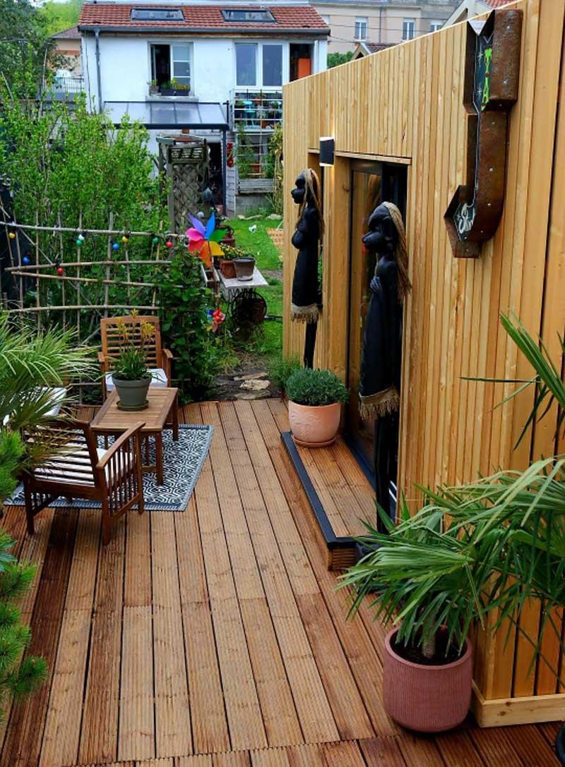 Belle terrasse d'un studio de jardin